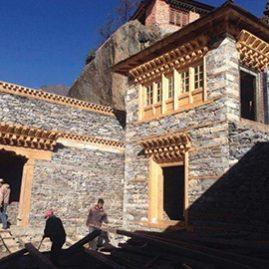 Ricostruzione del Tempio di Beding - Himalaya