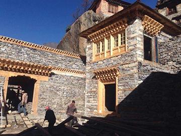Ricostruzione del Tempio di Beding – Himalaya
