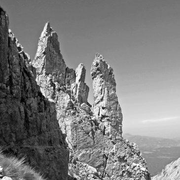 Le Torri Nascoste del Monte Corvo riprese dall'alto